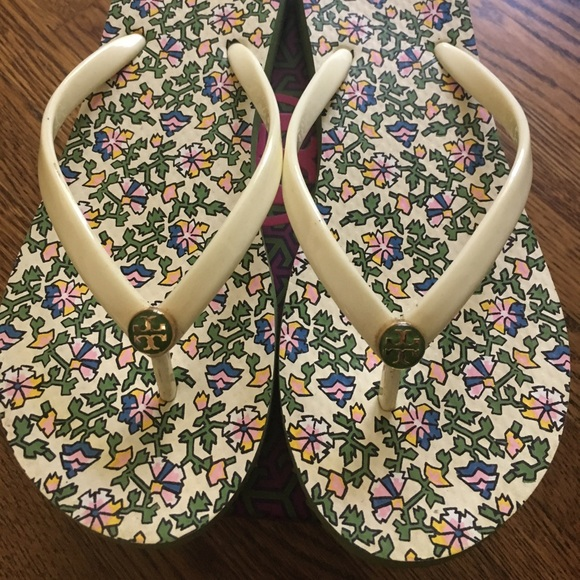 f26c525c38be Shoes - Tory Burch Ivory Wild Pansy Flip Flops - Size 8